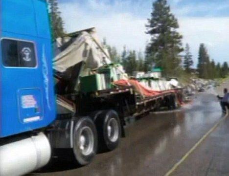Gekantelde truck verliest 14 miljoen bijen