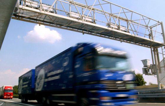 Maut-ruzie bedreigt Daimler en Deutsche Telekom