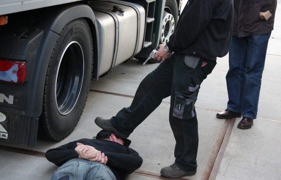 Chauffeur beroofd van truck