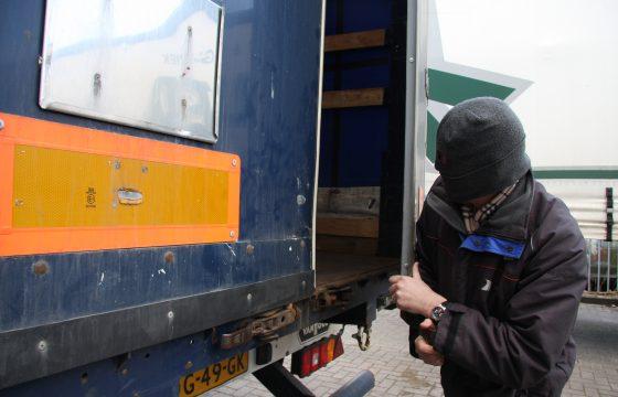 Dertien trucks opengebroken