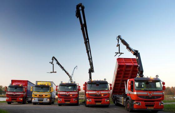 Vijf maal Renault Premium Lander