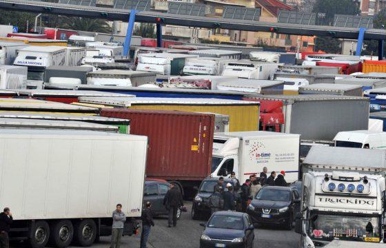 Italiaanse chauffeurs in staking