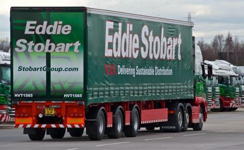 Eddie Stobart heeft eerste 15,65m trailer