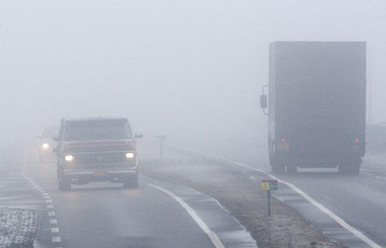 Wegtransport in zwaar weer