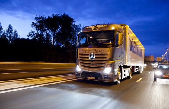 Daimler mikt op half miljoen trucks