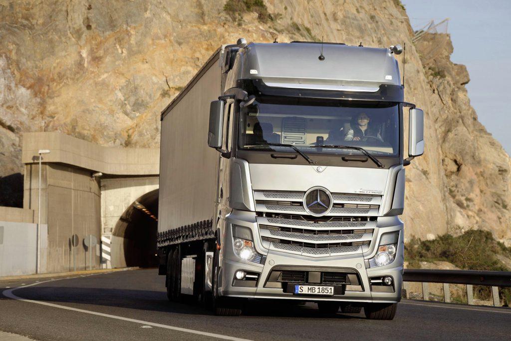 Ook Mercedes cruist met GPS