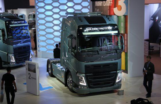 Volvo veilt eerste productie-FH