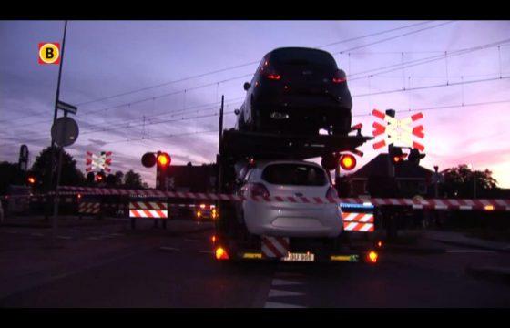 Litouwer parkeert truck op overweg