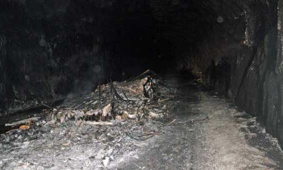 Kaas brandt dagen in Noorse tunnel