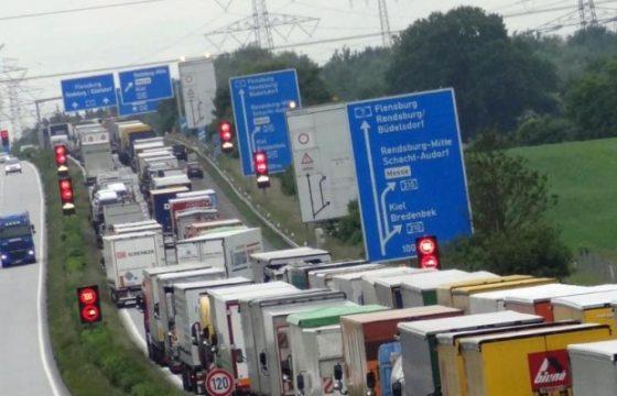 Rader Hochbrücke afgesloten voor vrachtverkeer