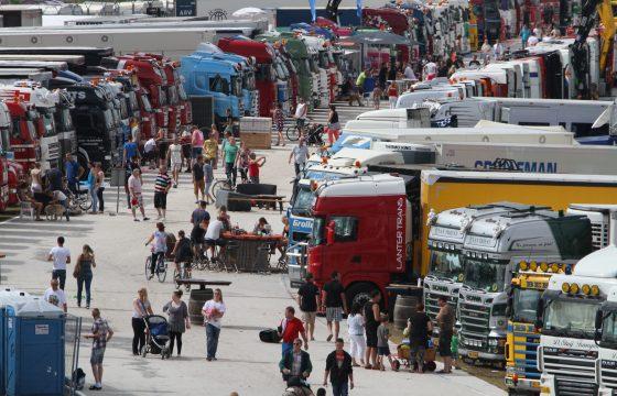 Langs de baan staan populairst op Truckstar Festival
