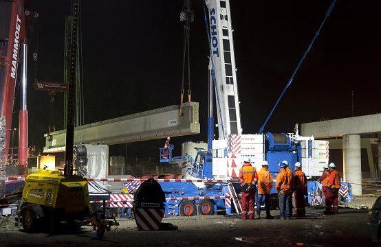 Oprit nieuwe Botlekbrug over tunnel gelegd