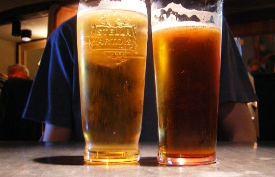 Motorway pub geopend in Engeland