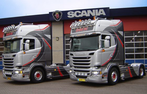 Twee V8 Scania's voor Givar