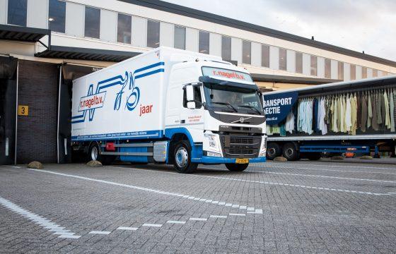 Nieuwe Volvo FM R. Nagel voor transport en cursus