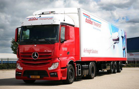 Atego's, Antos en Actros trucks voor Dobbe