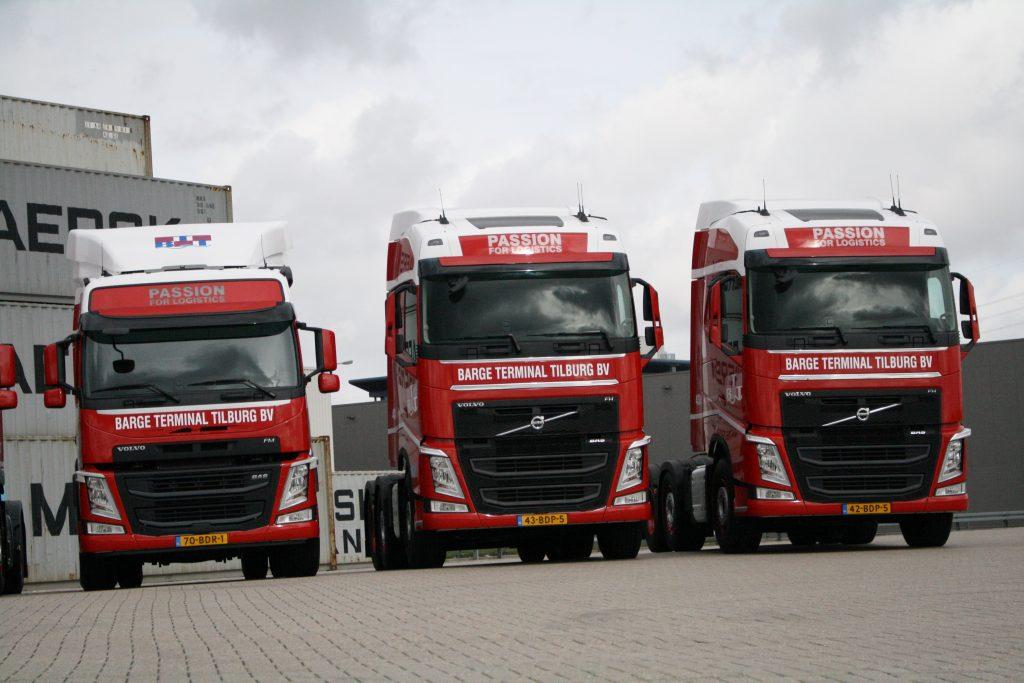 Nieuwe Volvo's Barge Terminal Tilburg