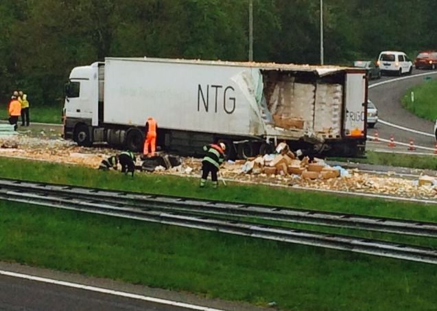 Chauffeur reed achteruit over A27