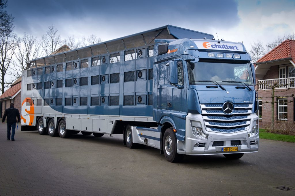 Actros in Volvo-nest