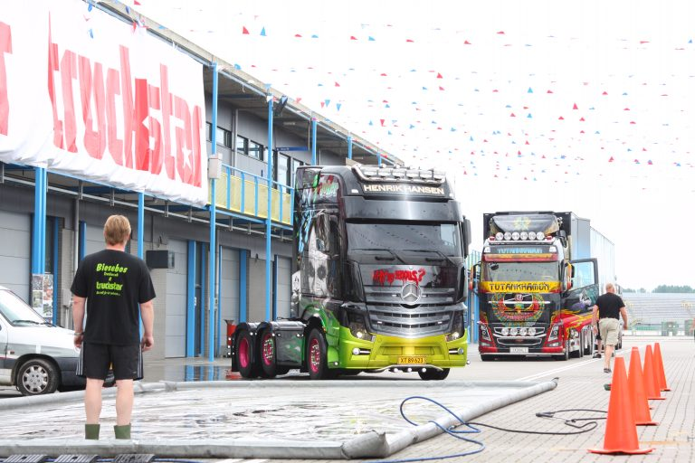 De eerste trucks glimmen al
