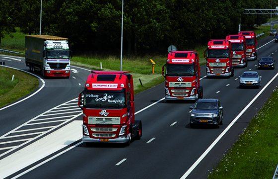 Vijf Volvo FH's voor Rumping