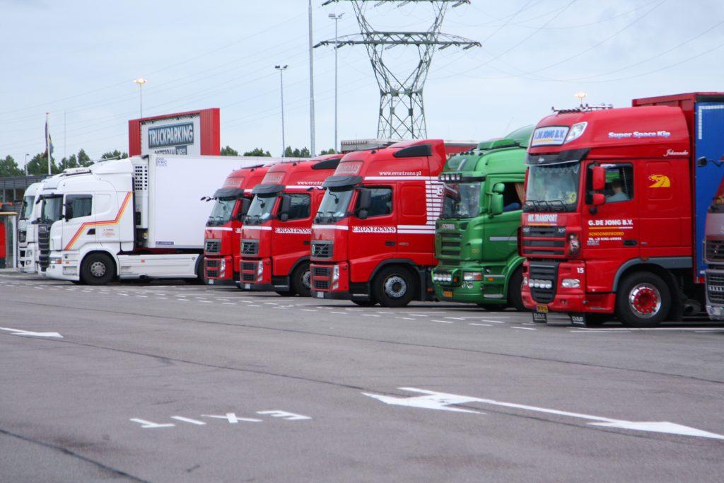 Rotterdamse Truckparkings goed bezet