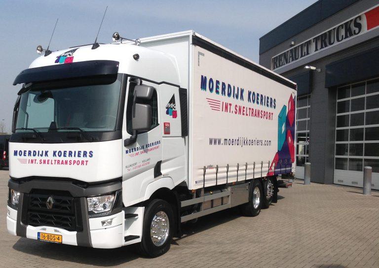 Renault T bakwagen voor Moerdijk Koeriers