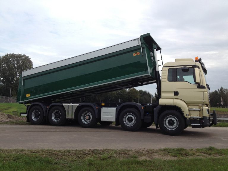 MAN met Wierda-as voor Willard transport