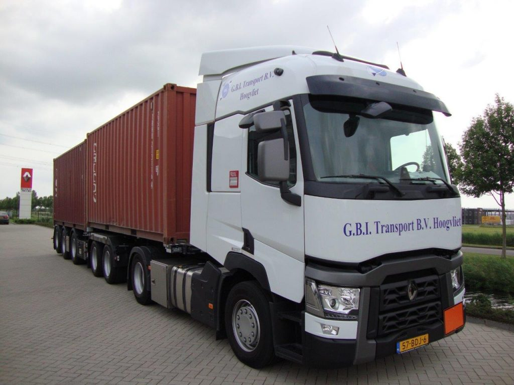 Renault T in de containers