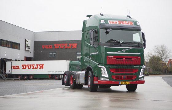 Volvo's voor in de sneeuw
