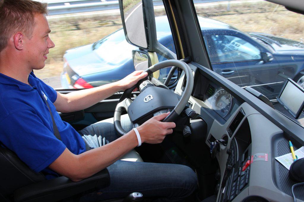 Veiligere chauffeurs in proef met Volvo