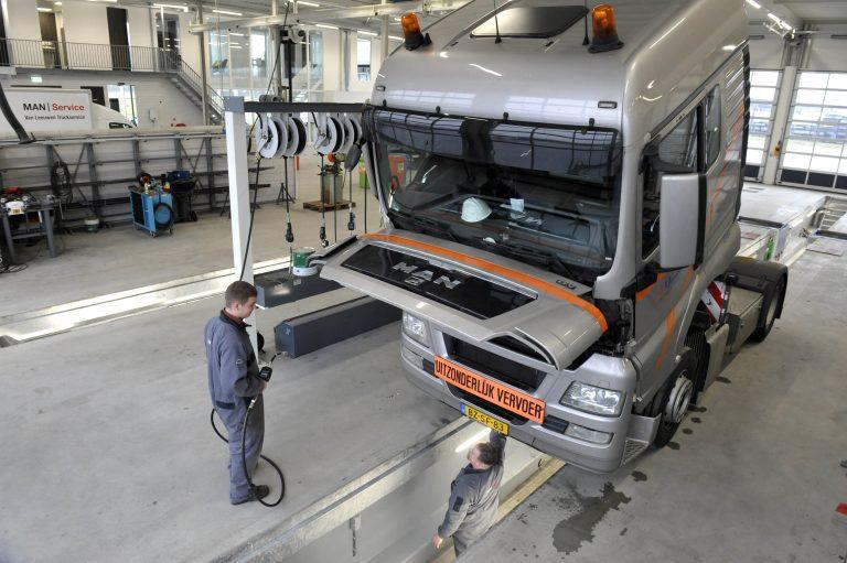 Man Van Leeuwen Opent In Ridderkerk Truckstar