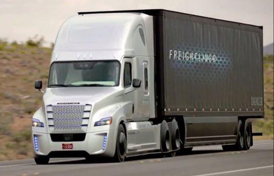 Freightliner onthult zelfrijdende truck