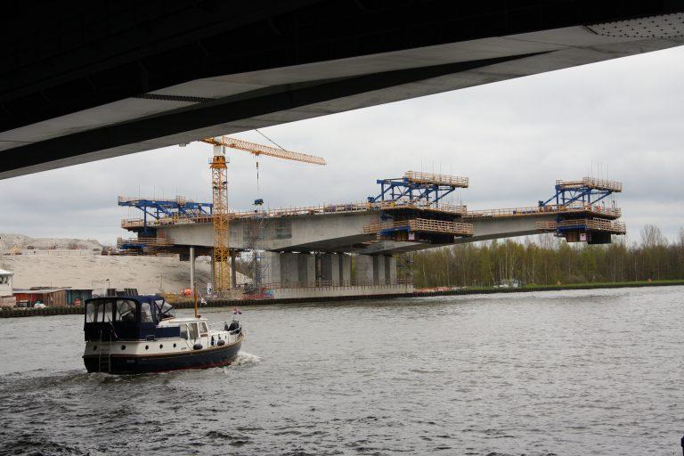 Mooie plaatjes bouw brug A9