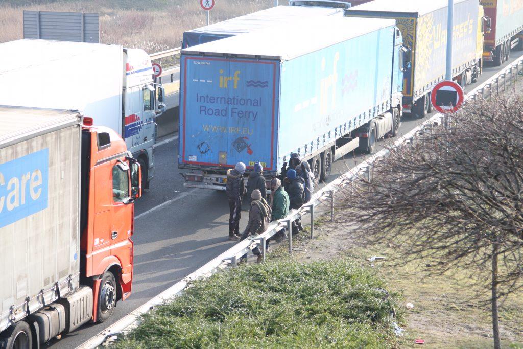 Smeekbede Eurotunnel aan vervoerders