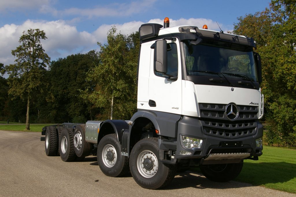 Mercedes Arocs met Wide Spread
