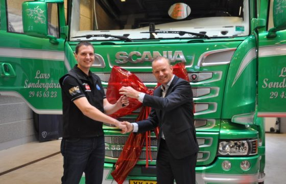 Winnaar YETD krijgt z'n Scania