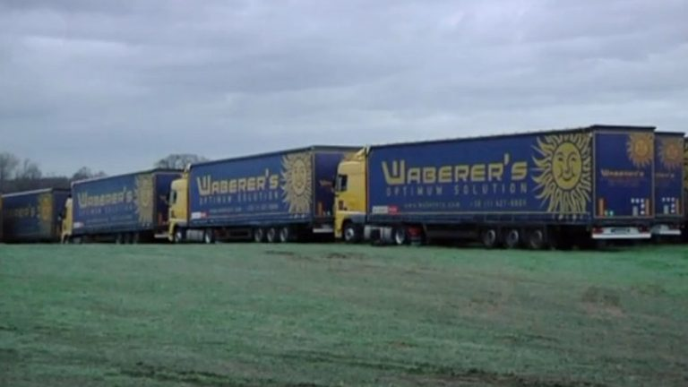 Waberer parkeert 300 trucks in Opglabeek