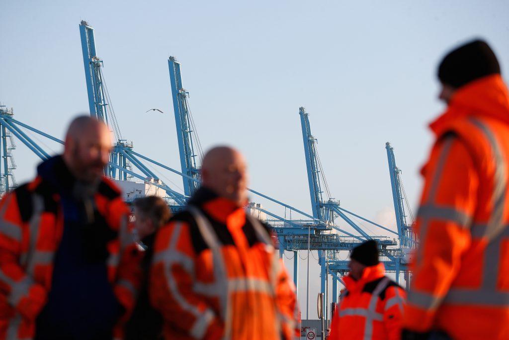 Rotterdamse stakers hervatten werk