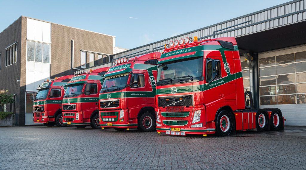 4 generaties Volvo FH bij Van der Gun