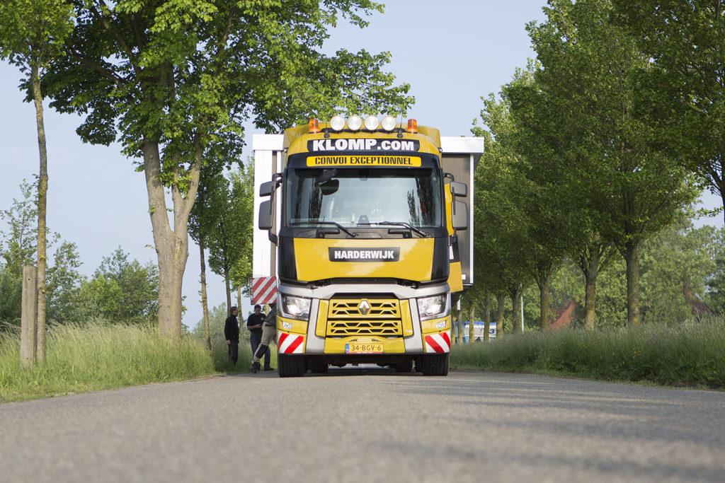 Renault T 460 low-deck voor Klomp