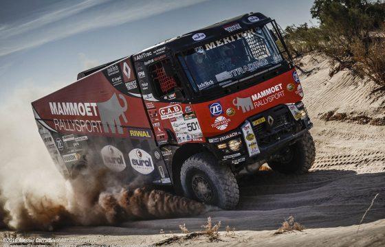 De Renault rallytruck van Martin van den Brink
