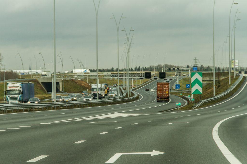 A2 wordt de breedste snelweg ter wereld met led - Truckstar