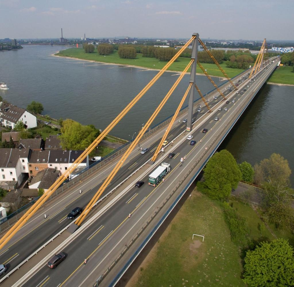 Rijnbrug Duisburg