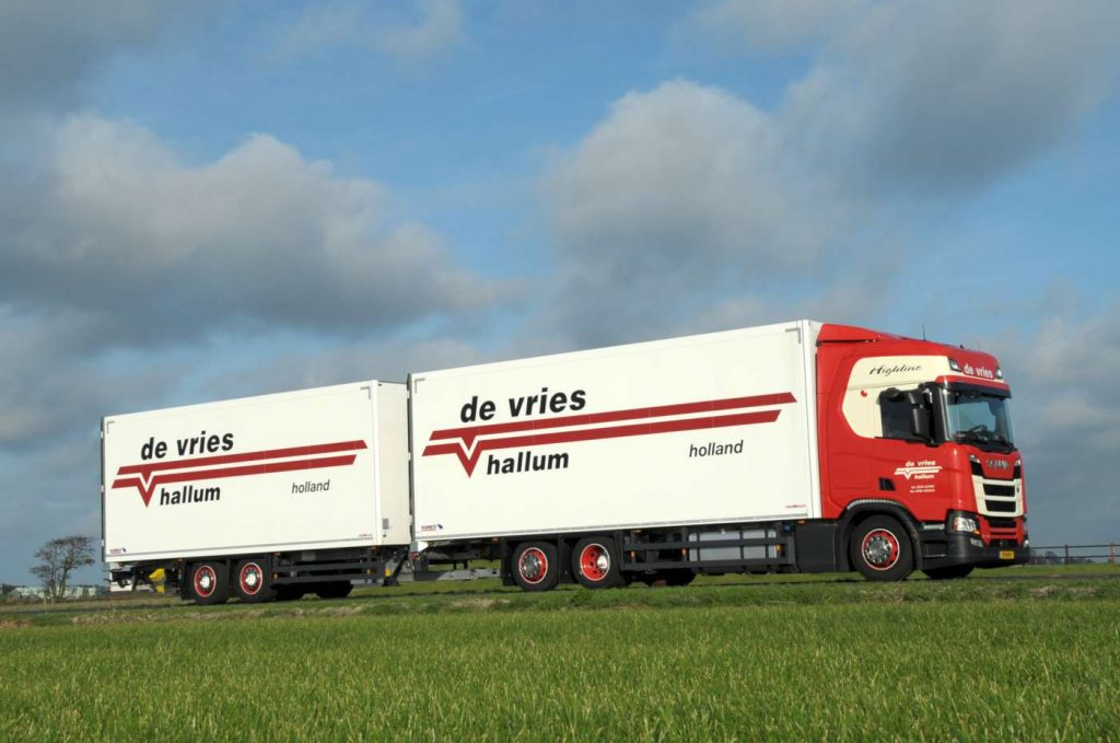 De Vries & Zn Scania Hallum