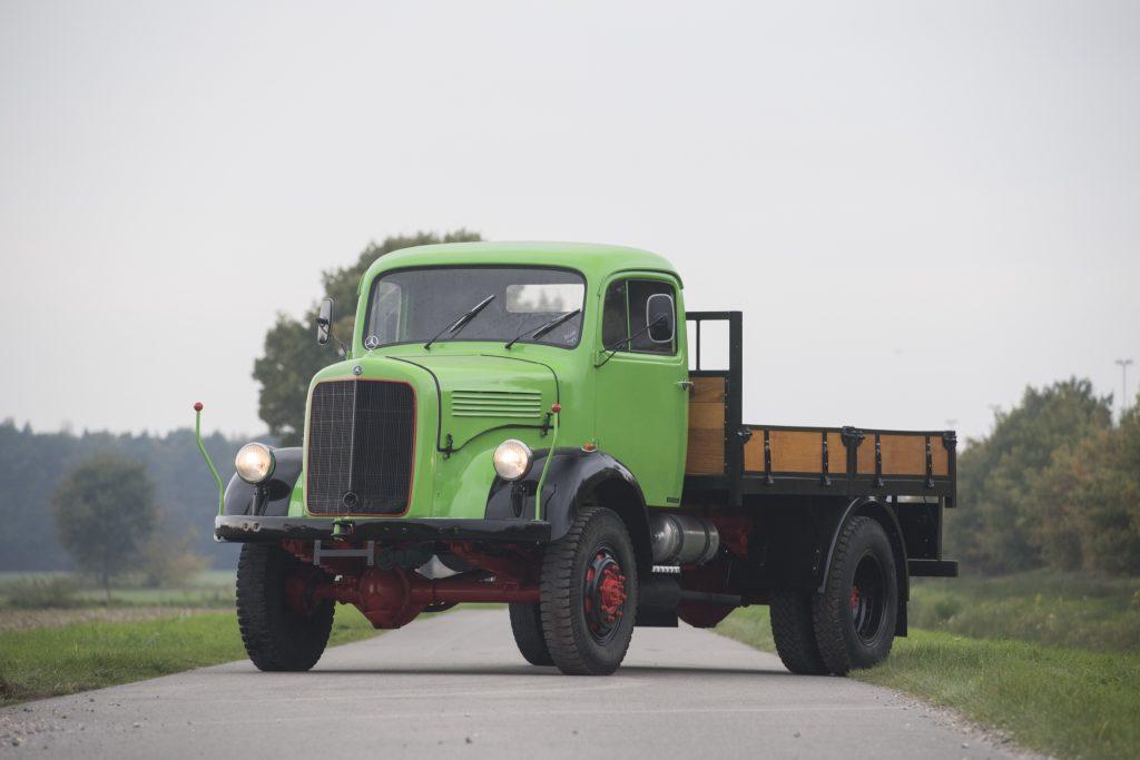 Mercedes-Benz_Vrachtwagen-