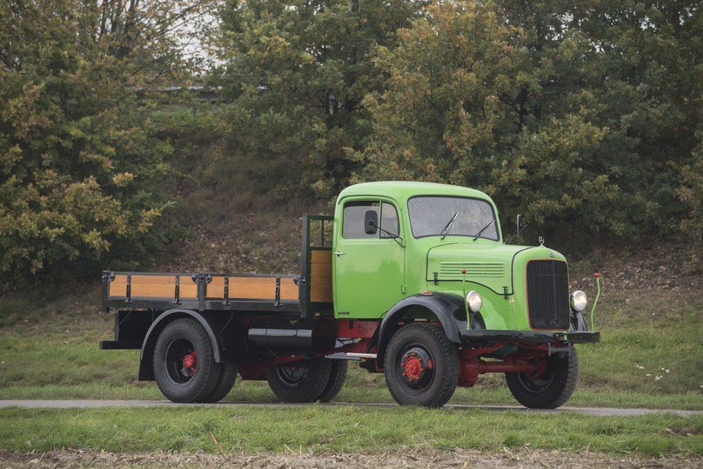Mercedes-Benz_Vrachtwagen