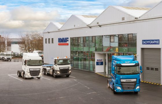 01-DAF-opens-Paris-dealership-premises