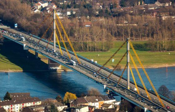 A40-Rheinbruecke-Duisburg