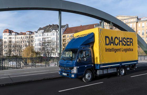 Fuso-eCanter-Berlin-bridge